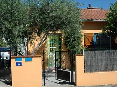 Photo for Detached house, quiet, 2.5km from the sea, 10 minutes walk from the city center