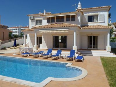 Photo for Gale de Cima Villa, Sleeps 8 with Pool, Air Con and WiFi