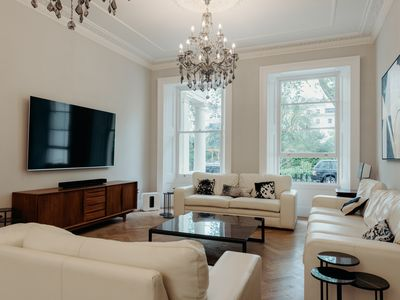 Photo for Stunning Recently Renovated House with High ceilings in exclusive London Square