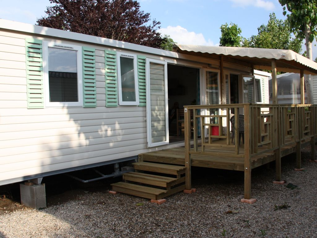 Mobile home luminosa 6 persons 3 bedrooms homeaway for Four bedroom mobile homes for rent in beaufort