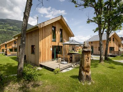 Photo for Detached luxury chalet with sauna and hot tub, right by the slope