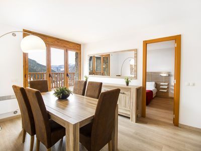 Three bedroom apartment with mountain views. R1PB2