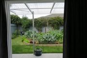 Private, quiet garden setting minutes from town