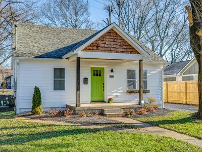 Photo for Dolly & Friends Enchanting Cottage-5 min  to DT