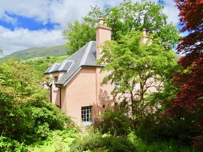 Photo for Cosy Garden Apartment, by the sea within easy reach of Glencoe and Fort William