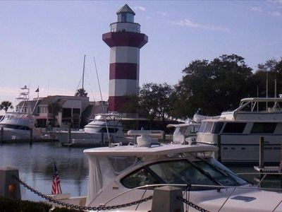AMAZING! HARBOUR TOWN LOCATION