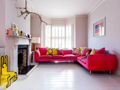 Photo for Spacious 4 bed home in vibrant West London. Amazing interior design! (Veeve)