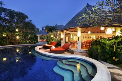 Bali classic villa with spacious pool and living room