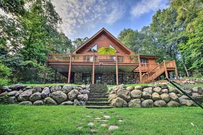 Make this Breezy Point cabin your next Midwest vacation destination!