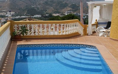 Photo for Villa with private pool, sea view, free wifi, garage, 7 pers, near the beach