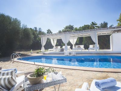 Photo for Beautiful villa from 3.7 KM from the sandy beach, with pool, air conditioning, internet, garden.