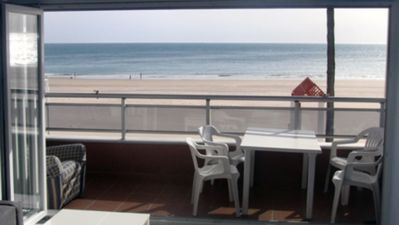 Photo for First beach line in Cádiz. Completely renovated in January 2017, brand new