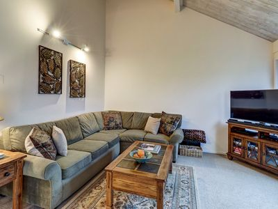 Photo for Cozy mountain condo near ski slopes w/ 3 shared pools, hot tub, other amenities