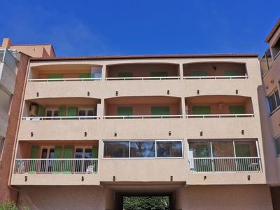 Photo for One bedroom Apartment, sleeps 3 in Saint-Aygulf with WiFi