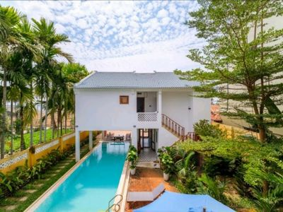 Photo for Delightful Spacious House with Pool close to Beaches