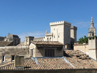 Photo for Charming apartment overlooking the Palais des Papes