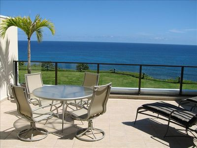 Air Conditioned Puu Po'a Oceanfront - Designer Furnishings and Whitewater views