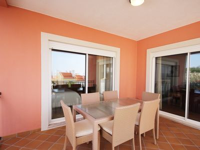 Photo for Fantastic apartment in Praia D'el Rey, with sea view.