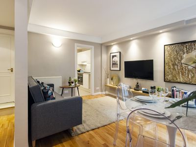 Photo for Drayton Garden Nest apartment in Kensington & Chelsea with WiFi & private terrace.