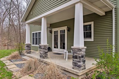 Located in Teutopolis, this home is ideal for events!