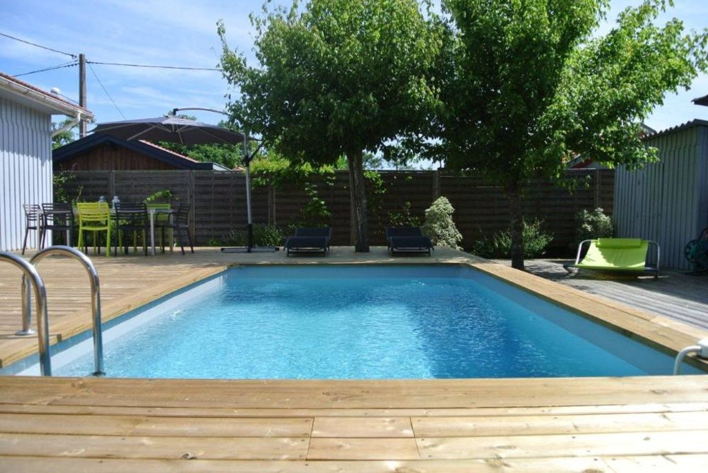 Pleasant Wooden House With Character Design Decoration And Swimming Pool Ares Aquitaine