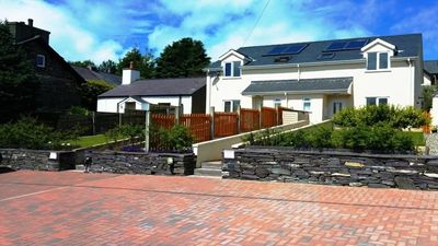 Photo for Ashcoast House: Dog friendly self-catering holiday cottage in north Snowdonia