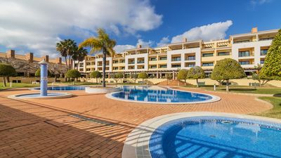 Photo for Excellent modern 2 bedroom 2 bathroom apartment near to golf and beaches