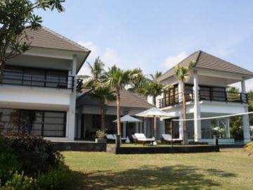 Bukti: Very luxury villa for up to 10 people in North Bali