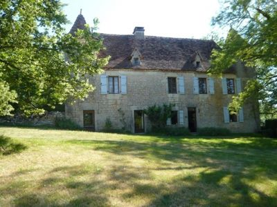 Photo for Gite Les Pechs du Vers, 5 bedrooms, 12 persons