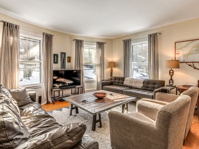 Photo for Huge 10 Bedroom House on Boston City Line. Sleeps 27. Free parking for 4 cars