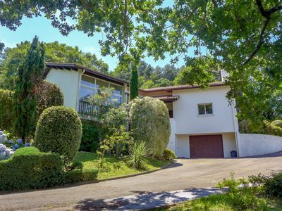 Photo for 3 bedroom Villa, sleeps 8 in Saint-Jean-de-Luz with WiFi