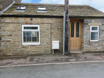Photo for THE OLD FORGE, pet friendly in Midgley, Ref 961392