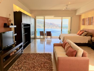 Photo for Deluxe Ocean Front Apartment with Magnificent Views