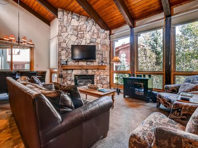 Photo for Spacious Mountain Retreat Close to Mountain Activities/Trails/Restaurants