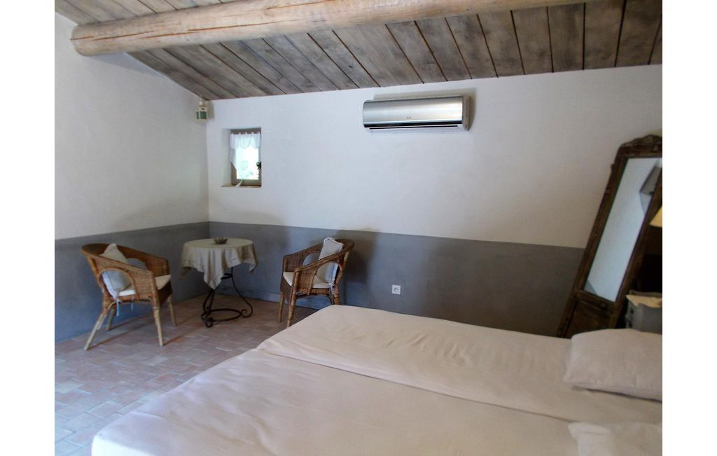 4 bedroom accommodation in Eygaliers