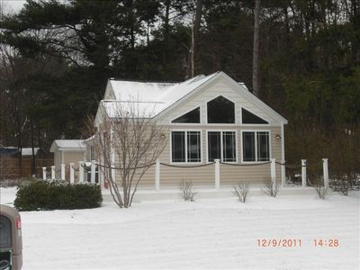 The Litte Cottage in the snow..Cosy and warm. Perfect for a winter get- away.