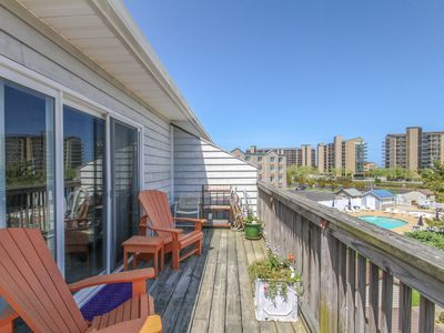 Photo for 204BI: MINI-WEEKS! Remodeled Efficiency Apartment - Short Walk to the Beach!