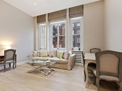 Photo for Beautiful 2Bed near Kensington 6 Mins from Tube