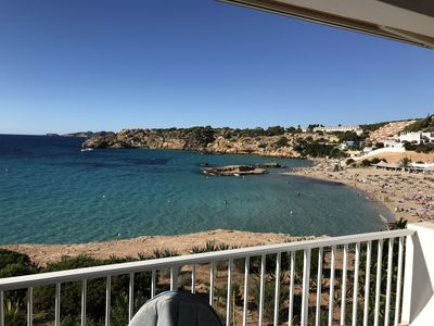 Photo for Beach Flat, amazing sea view, direct access to the sea