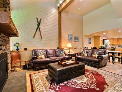 Photo for Luxury Townhouse w/ private hot tub/pool located on PC golf course