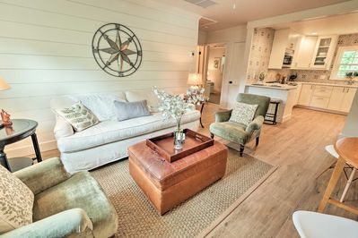 Come see what College Park has to offer around this charming cottage.