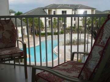 pool view! Minutes from Disney! Gated resort with security, gym, tennis
