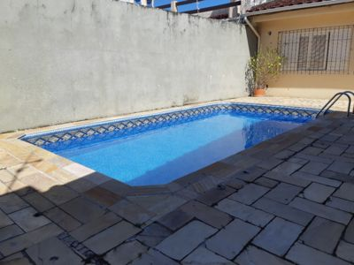 Photo for Beautiful house with pool and barbecue less than 500m from Prainha and Martim de Sa