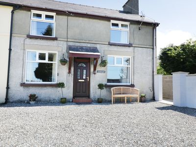 Photo for CADNANT, pet friendly, with open fire in Llanrug, Ref 958240