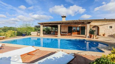 Photo for Great holiday home with pool and large garden