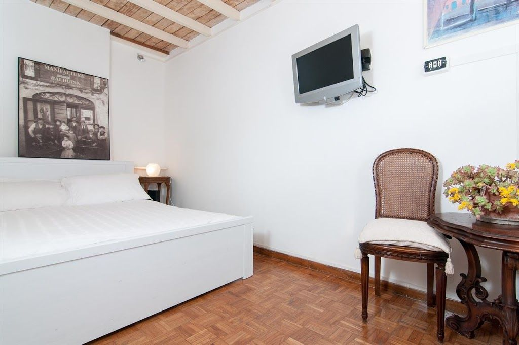 Studio apartment in the center of rome with air for Studio apartments in rome