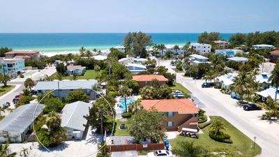 Photo for Gerties A, a cozy 1/1 just steps to the beach, community pool, pet friendly