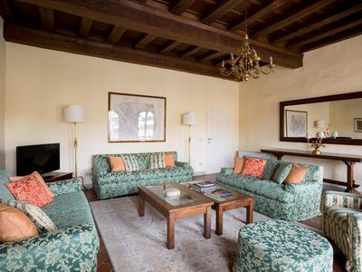Photo for Piazza S. Croce III - luxury 3 bedrooms serviced apartment - Travel Keys