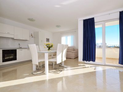 Photo for LOOK 2 spacious apartment for 4+2 persons, 300m from a beach