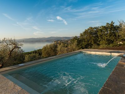 Photo for Beautiful private villa for six people with private pool, WIFI, A/C, TV, panoramic view and park...